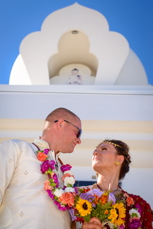 wedding couple at buddhist temple
